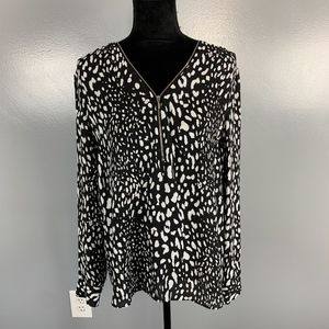 I.N.C, size 14, top, zipper front, blk and white